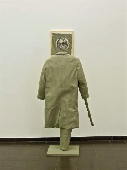 Eckhard Kremers 2014 Mantel Ausstellung im Marburger Kunstverein [coat exhibition]